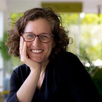Dr. Loree Griffin Burns, headshot